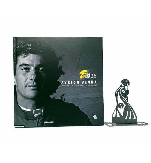 Kit Ayrton Senna - Estátua A 1° vez que Levantou a Bandeira + Livro Ayrton Senna Um Herói Moldado de Alma, Coração e Aço!